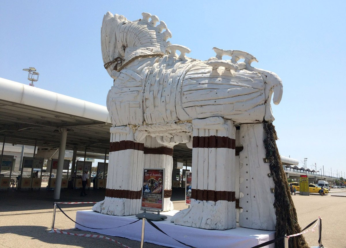 Antalya Dış Hatlar'da Troya rüzgarı