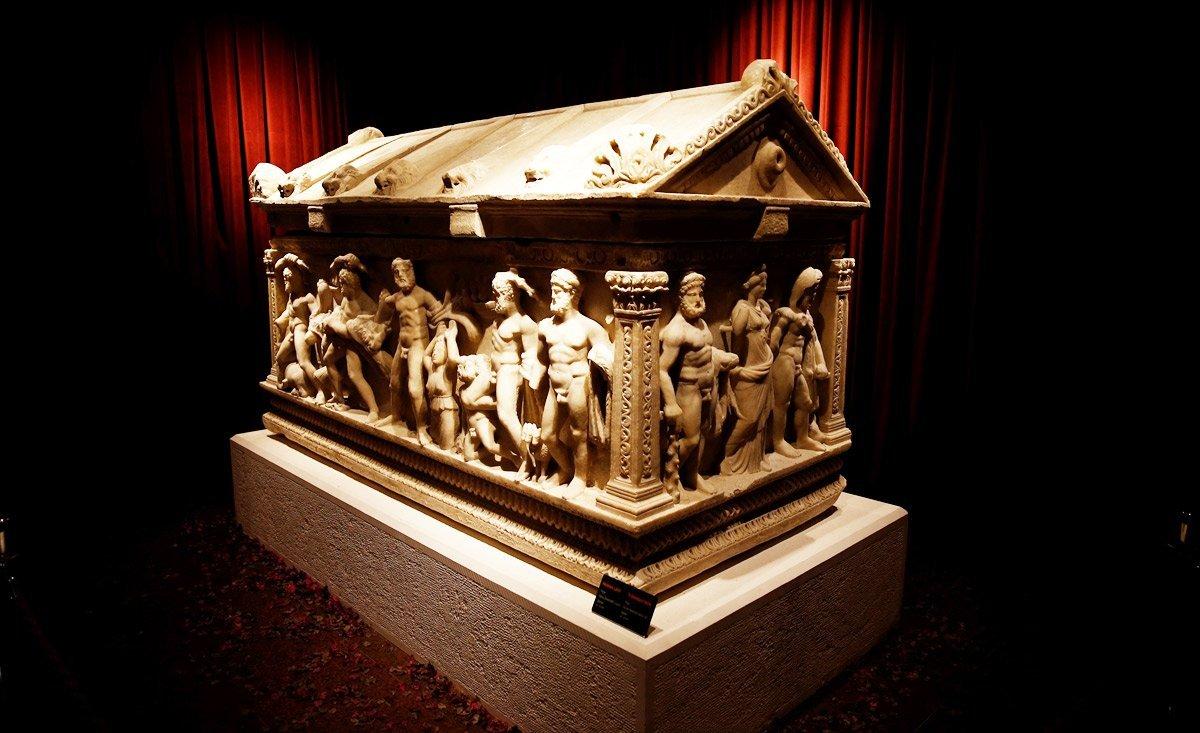 Antalya Müzesi'nde Herakles bereketi