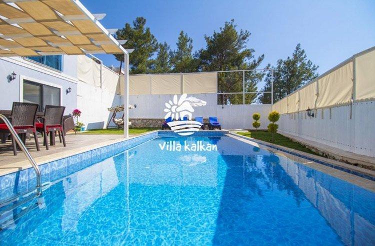 Antalya'da muhafazakar kiralık villalarda tatil keyfi